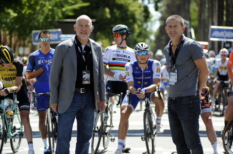 (L-R) Steven A. Cohen, Chief Strategic Officer, AEG and Yann Le Moënner, Managing Director of A.S.O. at the start of the Amgen Tour of California on Sunday, May 14, 2017 (Photo: Business Wire)
