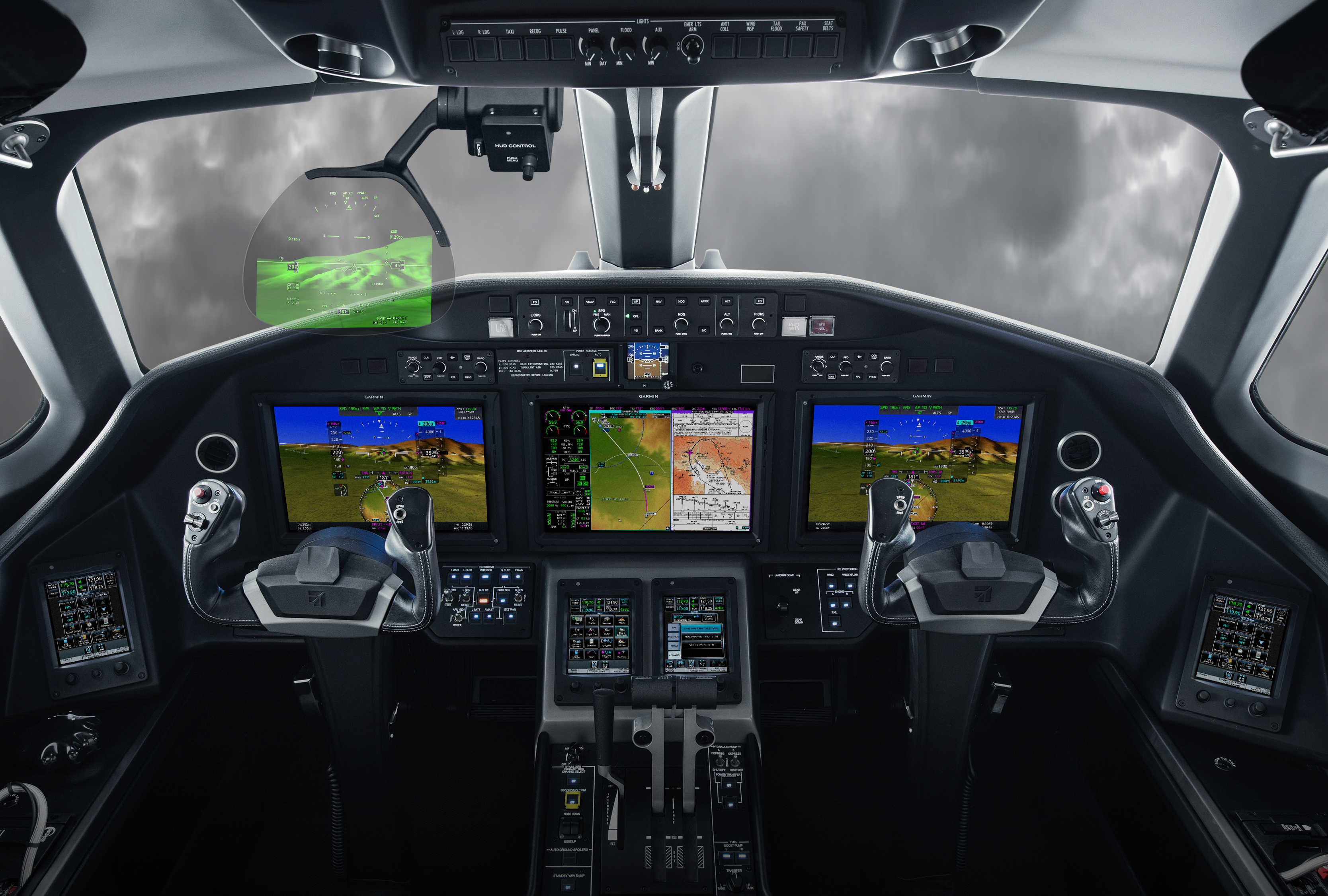 Garmin Head-up Display (GHD) system in the Cessna Citation Longitude (Photo: Business Wire)
