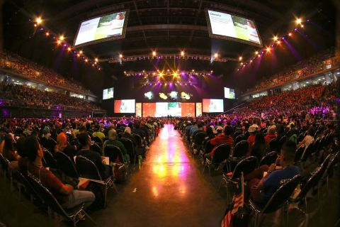 10,000 Herbalife members from across Southeast Asia gathered in Bangkok to learn how to inspire posi ...