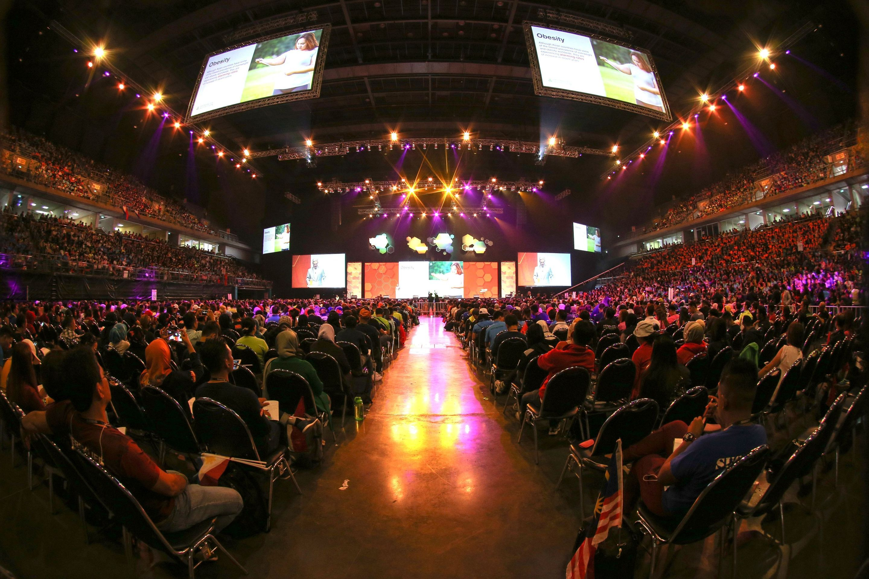 10,000 Herbalife members from across Southeast Asia gathered in Bangkok to learn how to inspire positive nutrition habits and active lifestyles within their local communities.