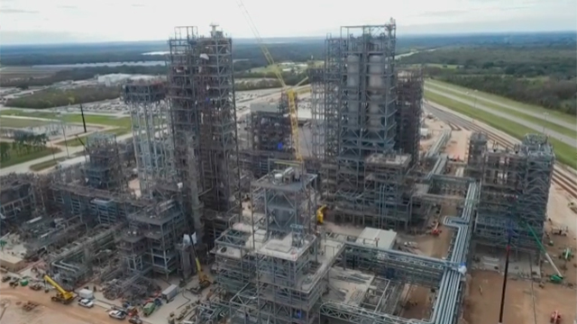 Chevron Phillips Chemical started construction of a $6 billion U.S. Gulf Coast Petrochemicals Project in summer 2014. The project consists of a 1.5 million metric tons/year (3.3 billion pounds/year) ethane cracker and two world-scale polyethylene units that will each produce 500,000 metric tons of plastic resin every year. Our U.S. Gulf Coast project will create 400 long-term permanent jobs as well as 10,000 construction and engineering jobs. The project is expected to be completed in 2017.