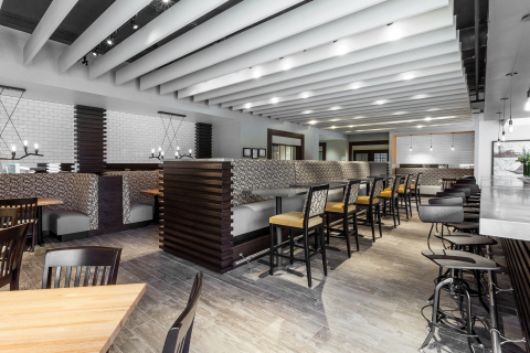 "Holiday Inn Chicago North - Evanston - University Plaza Cafe ""Open for Business!"" Gourmet Comfort Food (Photo: Business Wire)"