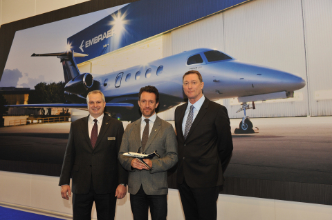 Left: Peter Griffith, Senior Vice President Sales, Europe, CIS and Africa, Embraer Executive Jets, Center: Simon Talling-Smith, CEO, Surf Air Europe LTD., Right: Ray Jones, CEO, Flexjet LTD. (Photo: Business Wire)