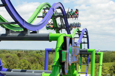 THE JOKER Free Fly Coaster provides insane thrills! (Photo: Business Wire)
