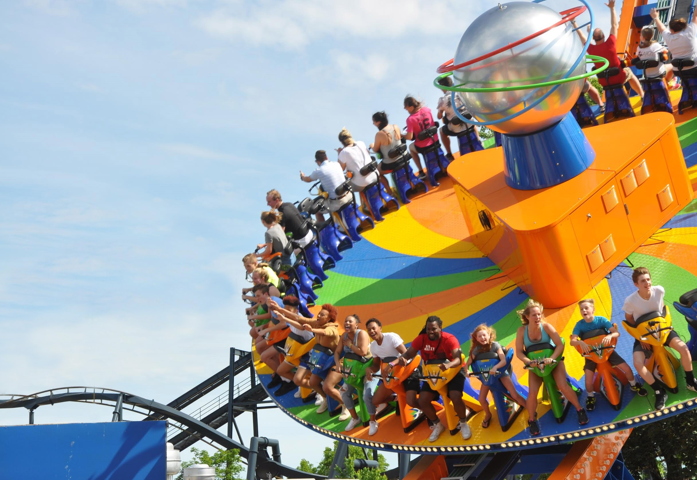 spinsanity is the latest thrill to whirl into six flags st louis