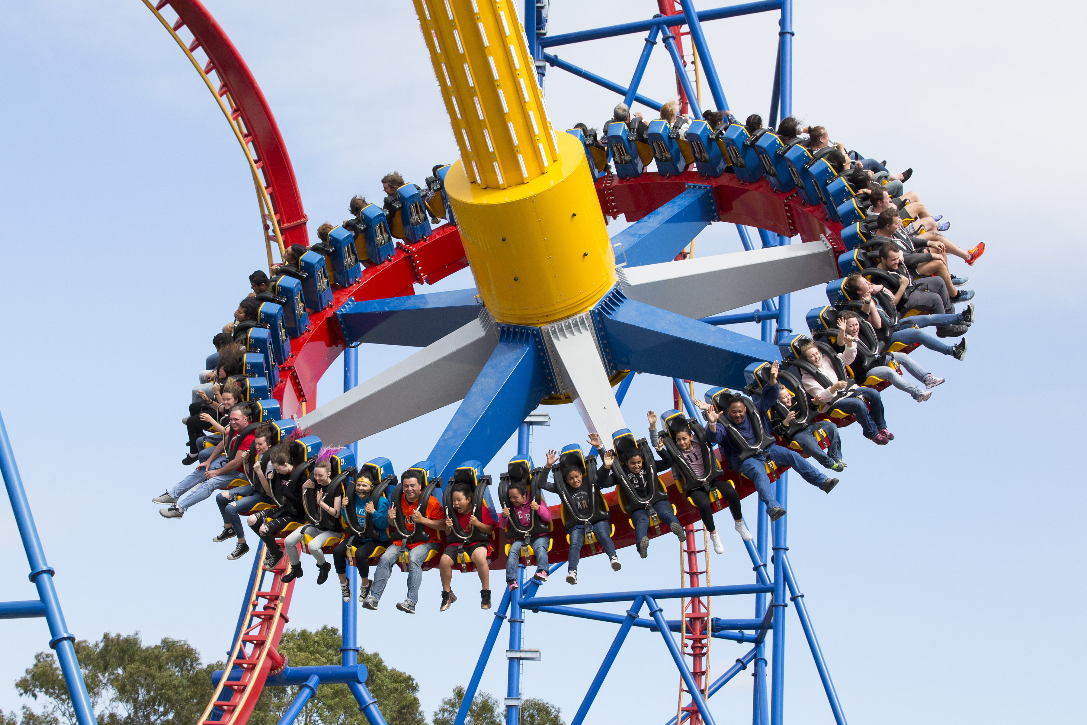 Wonder Woman Lasso of Truth holds 40 riders facing outward as they rotate and swing up to 147 feet high. (Photo: Business Wire)