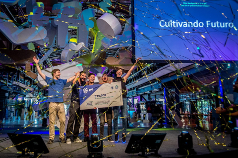 Colombian Team Cultivando Futuro Take Home Grand Prize at Thought For Food Global Summit (Photo: Ferdy Daman Photography)
