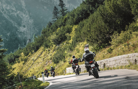 Embark on new adventures with Moto-tyres.co.uk, Metzeler and Motorrad & Reisen (Photo: Business Wire)
