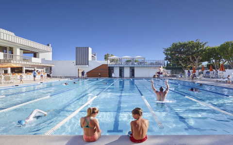 The pool at Manhattan Country Club, Bay Club's newly acquired property. (Photo: Business Wire)
