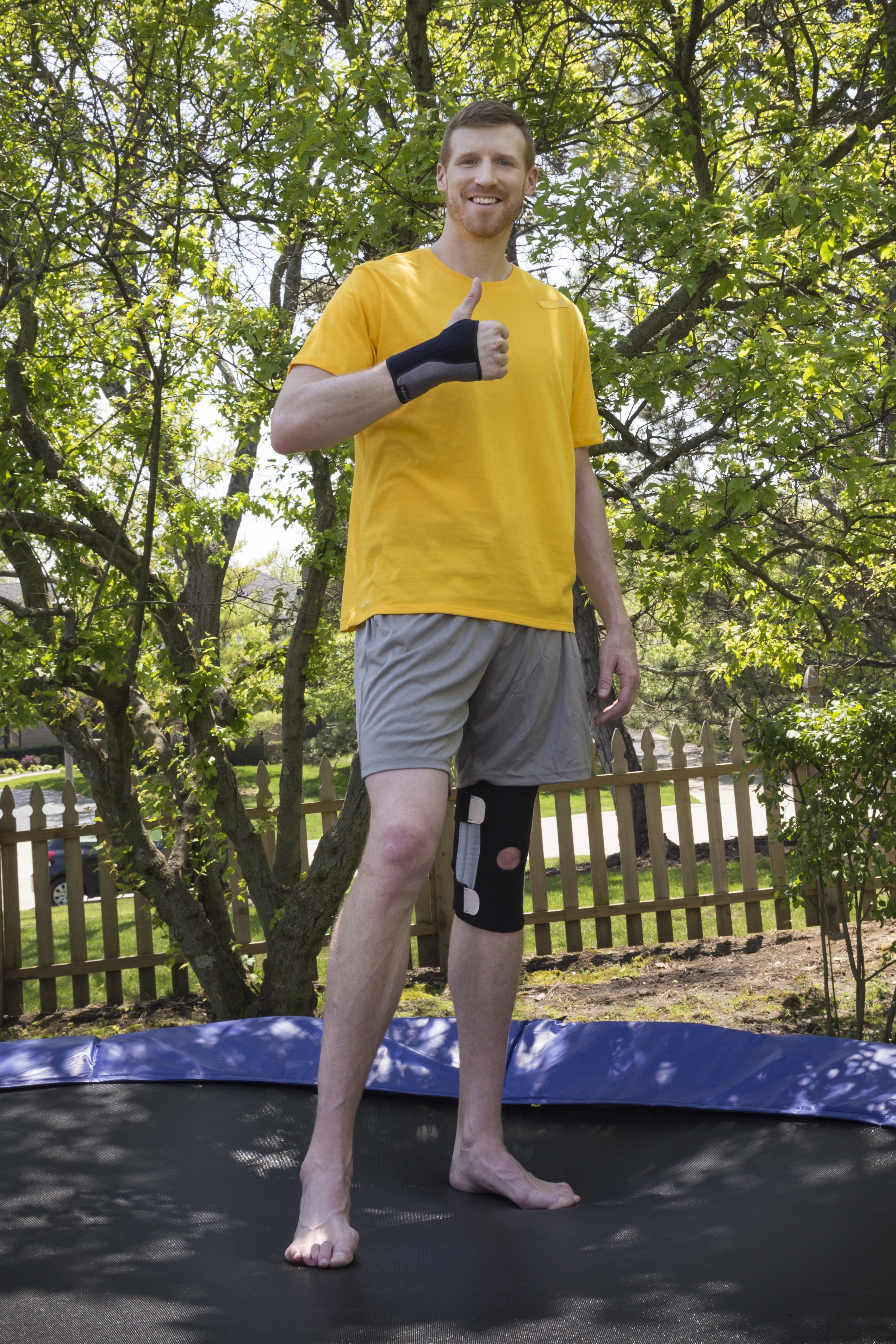 """Retired professional basketball player Matt Bonner highlights his quest to stay fit after retirement as he explores out-of-the-box fitness routines in the new FUTURO Brand """"Brace for Adventure"""" campaign (Photo: Business Wire)"""