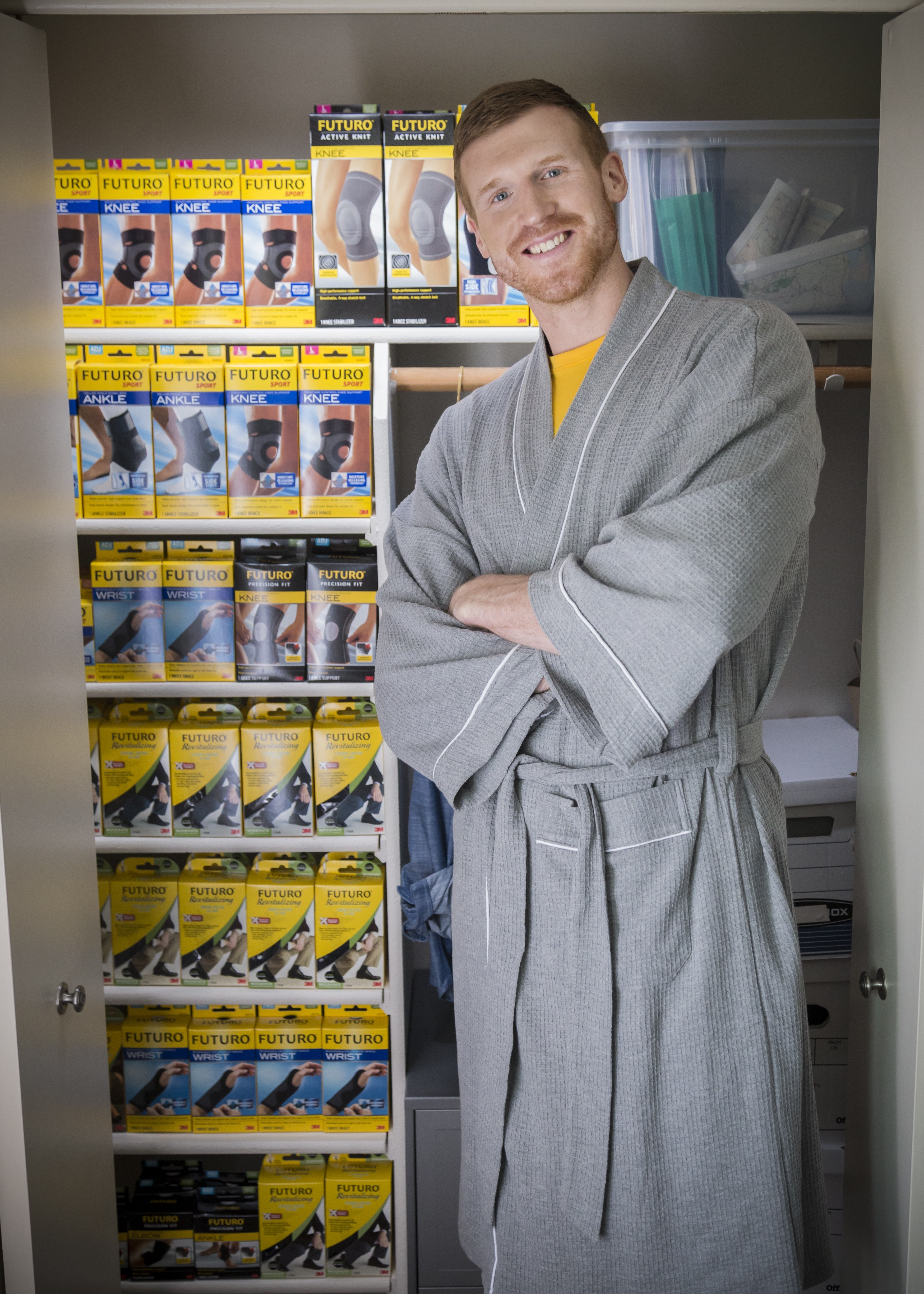 """Retired professional basketball player Matt Bonner shows his 'support' for the new FUTURO Brand """"Brace for Adventure"""" campaign (Photo: Business Wire)"""