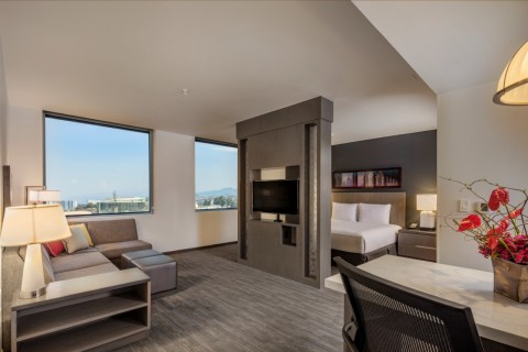 Hyatt House Mexico City/Santa Fe features 119 guestrooms, ranging from spacious studios to one-bedroom Kitchen Suites with fully equipped kitchens (Photo: Business Wire)