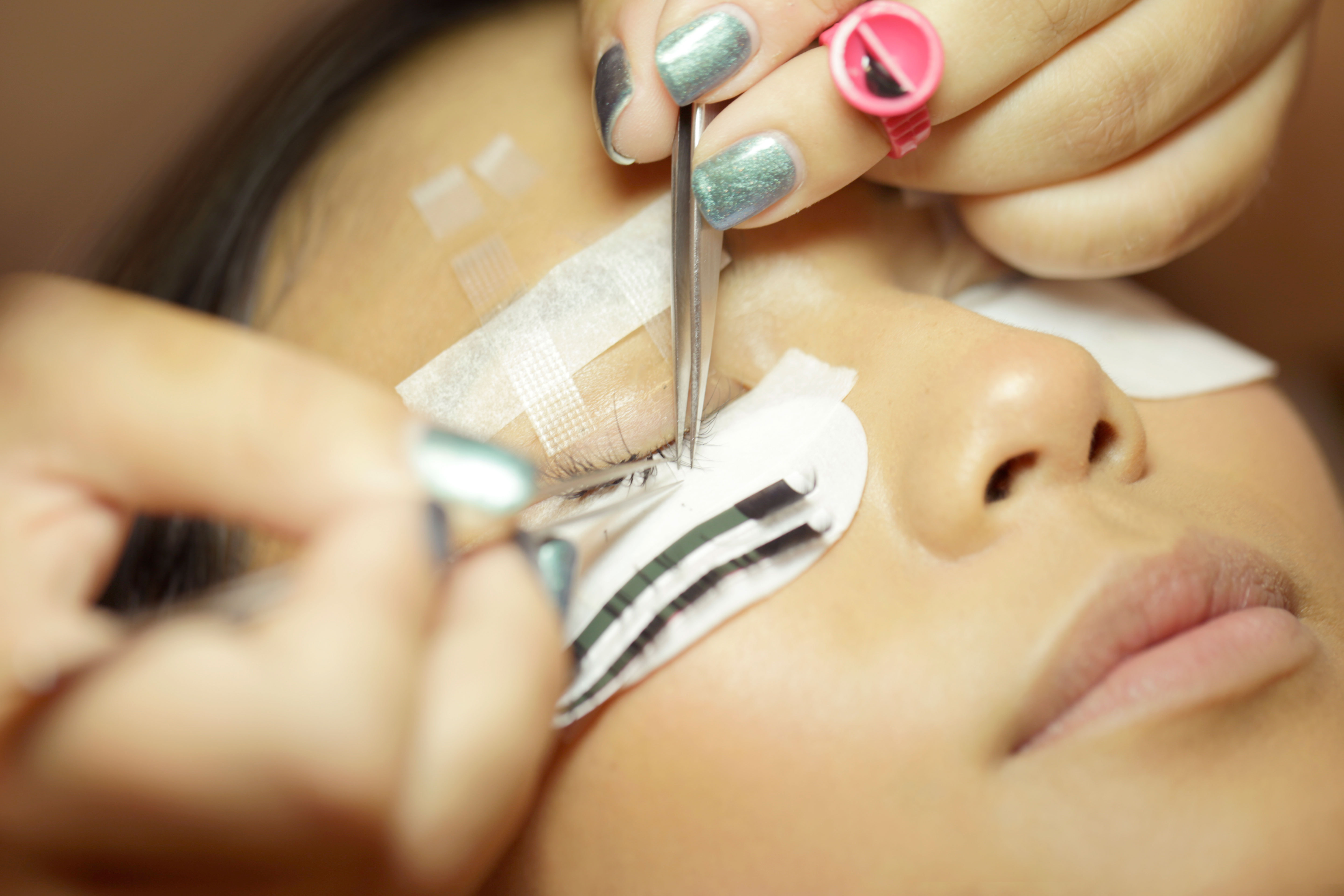 Beauty Changes Lives Teams with Amazing Lash Studio for scholarship opportunity (Photo: Business Wire)