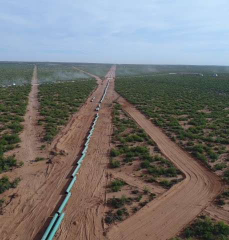 Construction on WhiteWater Midstream's Agua Blanca pipeline. (Photo: Business Wire)