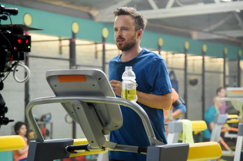 """Behind the scenes of the vitaminwater® """"Drink Outside the Lines"""" campaign shoot with Aaron Paul. Find video of Aaron at https://youtu.be/7qV7xG7f97g. (Photo: Business Wire)"""