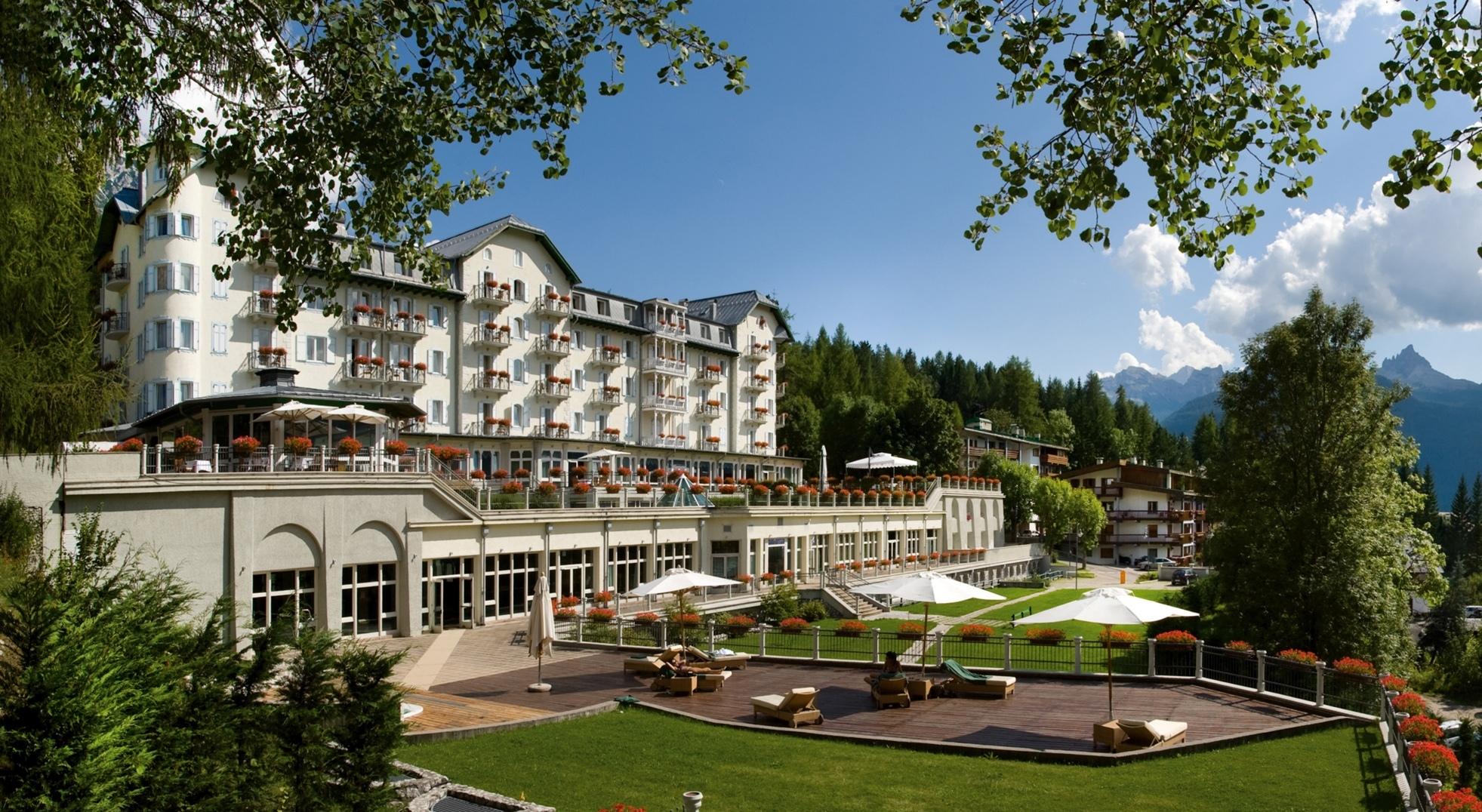 Cristallo resort spa cortina entra a far parte di the for The luxury collection hotel