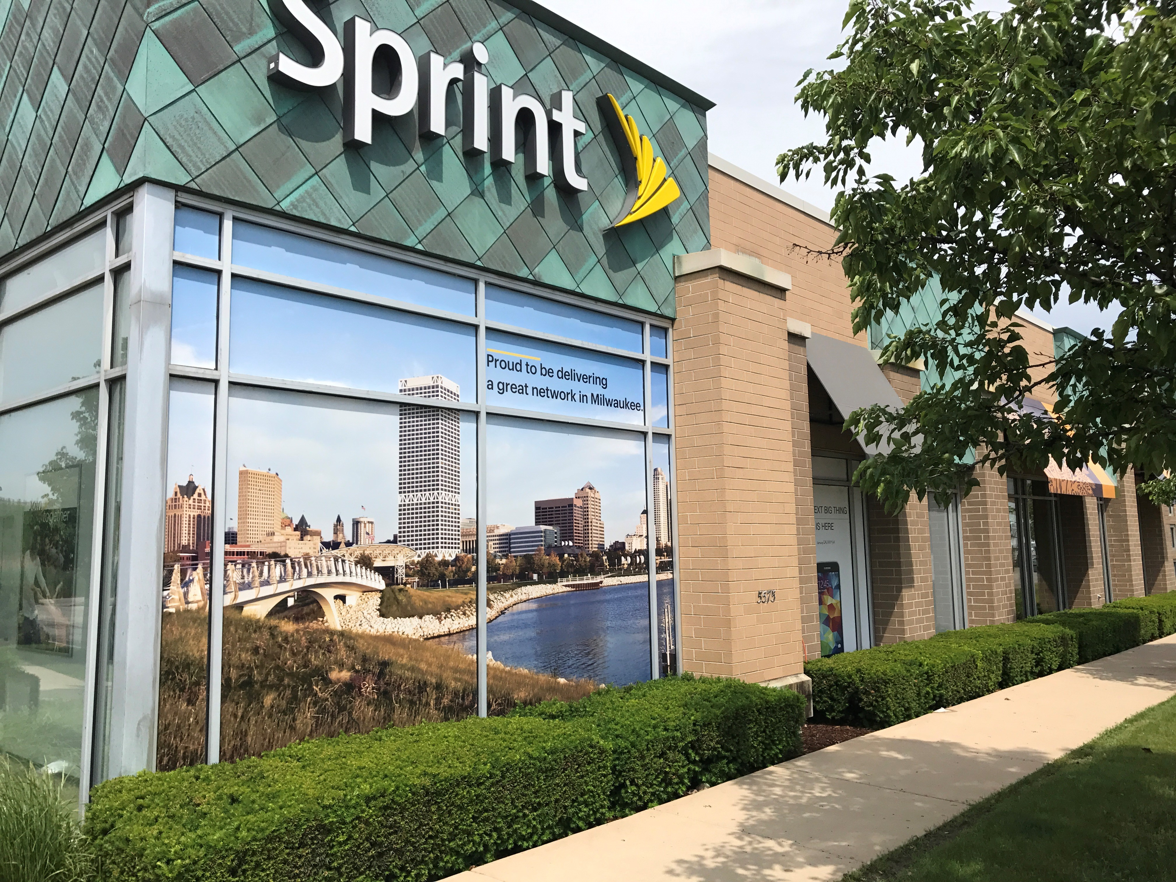 New Sprint store in Milwaukee. (Photo: Business Wire)