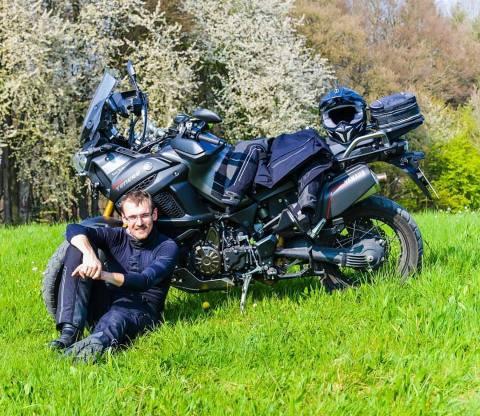 """Bis zum Nordkap will Nico Stockmayer mit seiner Yamaha XT1200Z Super Tenere """"Black Pearl"""" fahren (Foto: Business Wire)"""