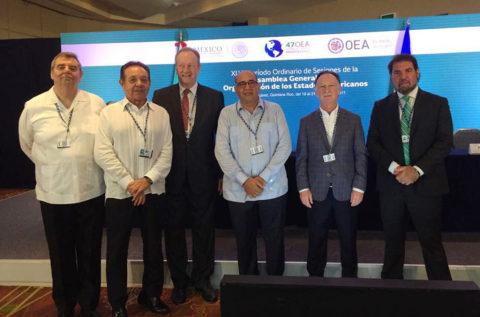Ricardo Platt, Gustavo Weiss, Eduardo Eurnekian, Camilo Atala, Gilberto Marin and Ingo Ploger (Photo: Business Wire)