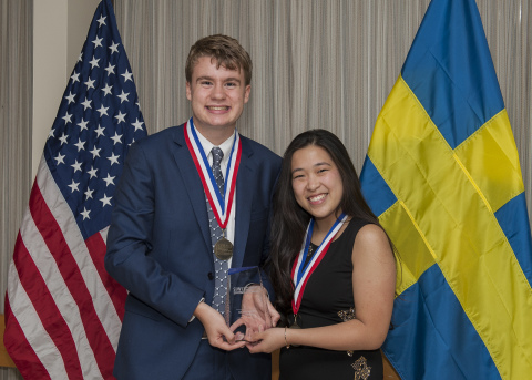 U.S. Stockholm Junior Water Prize winners Ryan Thorpe (l) and Rachel Chang (r) of Manhasset, N.Y. (P ...