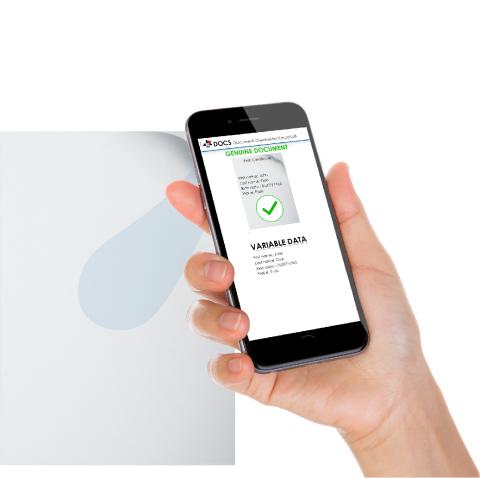 La solution DOCS permet de contrôler l'authenticité d'un document grâce à un smartphone (Photo: Arjo Solutions)