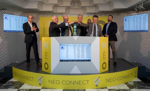 From left to right, NEO Connect celebrates one-year operational milestone with Erik Sloane, Head of Business Development, Funds, NEO, Chris Enright, President & Managing Director, Aligned Capital, Paul Adair, Director & Portfolio Manager, Products and Services, Richardson GMP, Jos Schmitt, President & CEO, NEO, Larry Salceda, Manager, Business Management Services, Invesco Canada, Peter Intraligi, President & Chief Operating Officer, Invesco Canada, and Ricardo DaCosta, VP, Market Structure & Solutions, IRESS. (Photo: Business Wire)