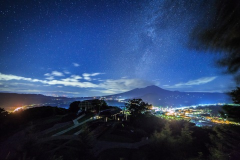 Enjoy stargazing at Karuizawa Prince Hotel - Night view from the top of the mountain, near Karuizawa Prince Hotel (Photo: Business Wire)