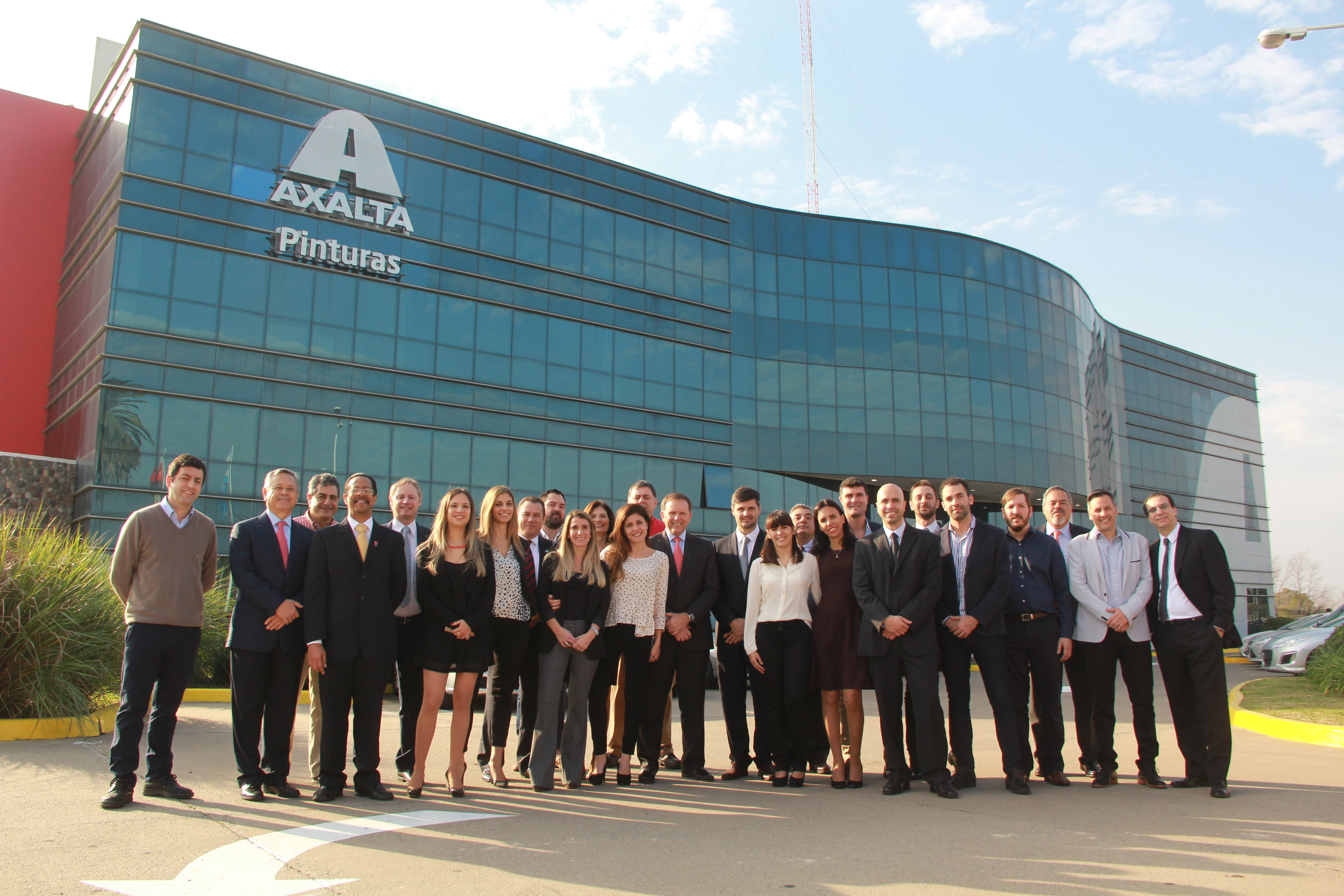 Axalta Chairman and CEO Charlie Shaver joins employees at celebration of new coatings production center in Escobar, Province of Buenos Aires, Argentina (Photo: Axalta)