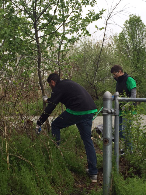 New Jersey: Volunteers from Macy's Logistics and Operations in Secaucus removed piles of debris from hidden areas around the city in a project for Earth Week 2017. (Photo: Business Wire)