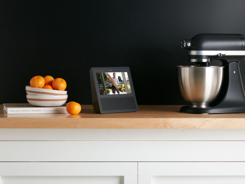 Manage deliveries using the Vivint Doorbell Camera. (Photo: Business Wire)