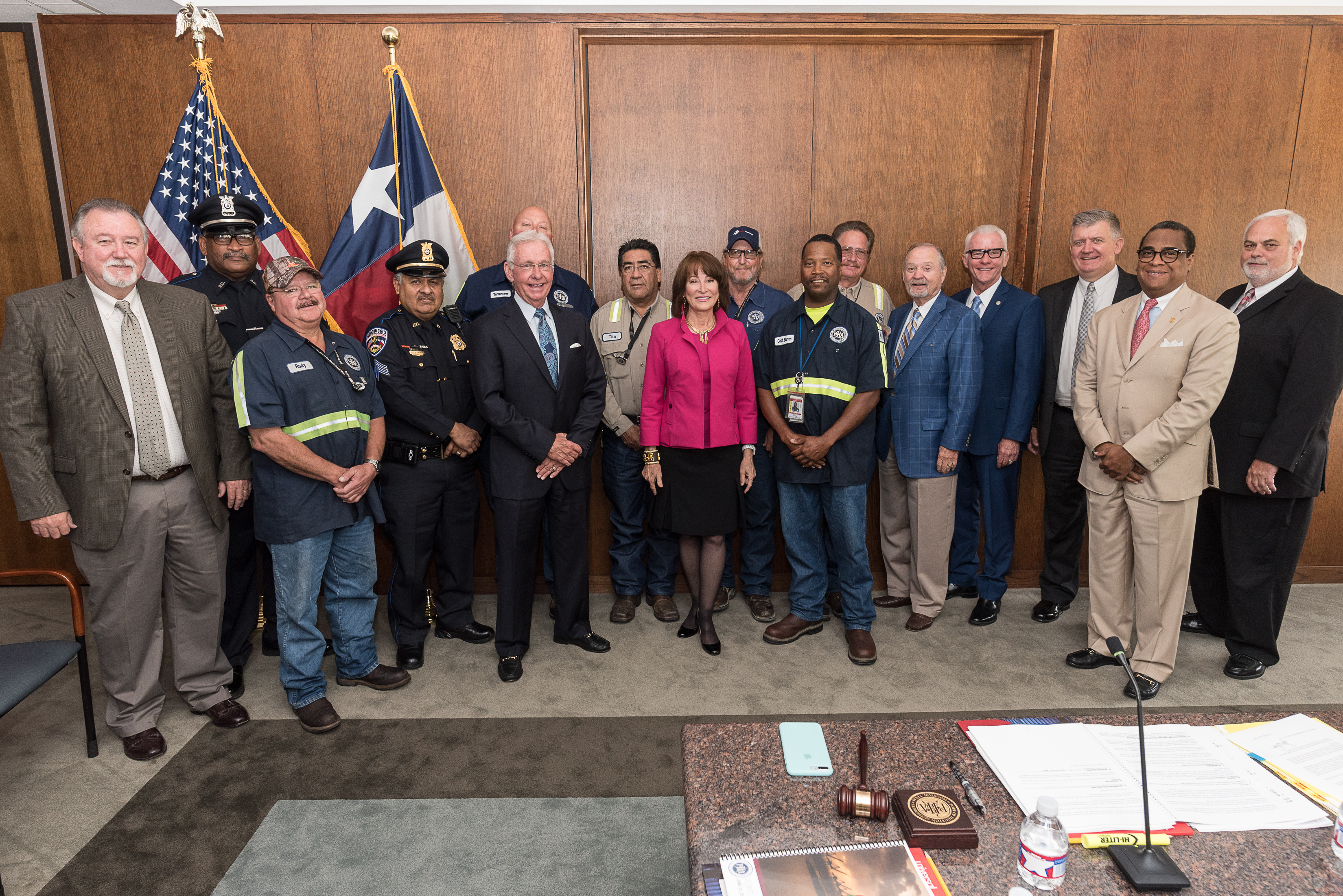 Port Commission of the Port of Houston Authority and Port Houston Executive Director recognized employees with over twenty years of service. (Photo: Business Wire)