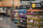 The new 40,000-square-foot Raley's offers fresh, high-quality, healthy products at an every day value. (Photo: Business Wire)