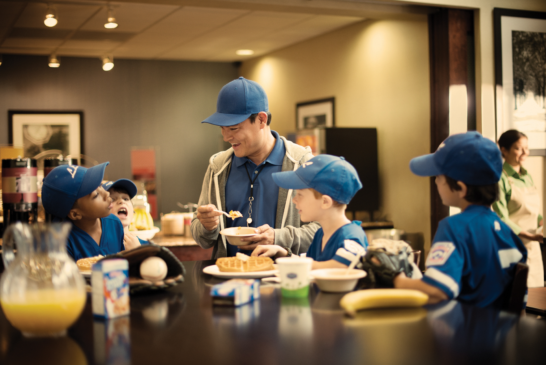 With the SI Play's Tourney Machine platform, parents and organizers can spend less time planning and more time at the breakfast waffle station.(Photo: Business Wire)
