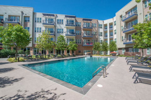 Waterton has acquired South Side Flats, a 288-unit apartment community in the Cedars neighborhood of Dallas. (Photo: Business Wire)