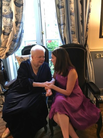 Miss de Havilland, now Dame Olivia, and her counsel, Suzelle M. Smith, discussing the FX lawsuit in Paris last month. (Photo: Business Wire)