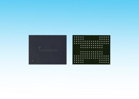世界初、TSV技術を適用した3次元フラッシュメモリ(写真:ビジネスワイヤ)