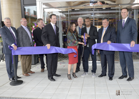 Hyatt, SECO and Boeing executives join Seattle Family Regional Center's Min Christ, Seattle Seahawks' Doug Baldwin and Renton Mayor Denis Lee to commemorate the grand opening of Hyatt Regency Lake Washington at Seattle's Southport. (Photo: Business Wire)
