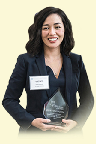 eQHealth Solutions' executive, Vicky Ducworth, Senior Vice President of Government Programs, was honored by the South Carolina Hospital Association and awarded the prestigious 2017 Lewis Blackman Award. (Photo: Business Wire)