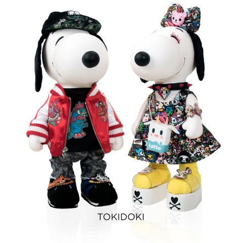 """The Hottest of the Cool Dogs: Snoopy and his sister Belle rock the Japanese-inspired cutting-edge style of tokidoki's Simone Legno—just one of the dolls sets in the """"Snoopy & Belle In Fashion"""" exhibit coming to a custom pop-up store during San Diego Comic-Con 2017. The collection of 10"""" vinyl Snoopy and Belle dolls bedecked in custom mini-couture outfits features designs by the world's leading lights in fashion. The exhibit is free and open to the public at 226 Fifth Avenue in San Diego's Gaslamp District, July 20–23. (Photo: Business Wire)"""