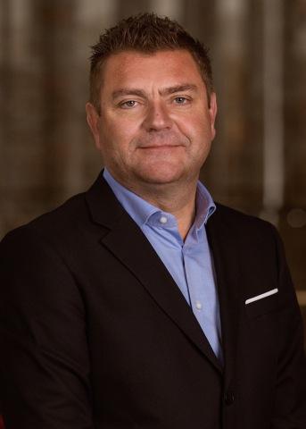 Bildunterschrift: Das weltweit größte private Spirituosen-Unternehmen in Familienbesitz, Bacardi Limited, ernennt Francis Debeuckelaere, einen 23-jährigen Veteran des Unternehmens, zum regionalen Geschäftsführer für Europa (Foto: Business Wire)