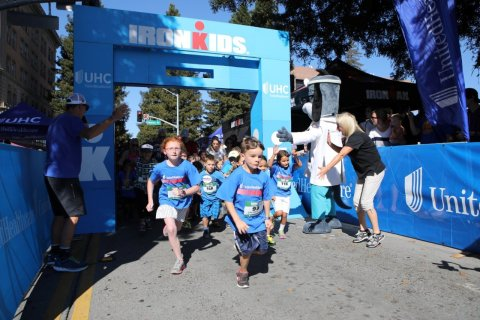 More than 200 kids participated in the inaugural UnitedHealthcare IRONKIDS Santa Rosa Fun Run today at Old Courthouse Square. UnitedHealthcare mascot Dr. Health E. Hound helped Tammy Rowe of UnitedHealthcare kick off the fun run. This is the sixth year UnitedHealthcare is sponsoring IRONKIDS races in the United States. (Photo credit: Brant Ward)
