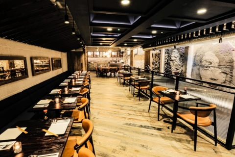 The 138-seat P.F. Chang's Asian Table, a first-of-its-kind concept, features an open kitchen and in-house bakery. (Photo: Business Wire)