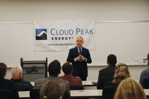 EPA Administrator Scott Pruitt visits with Cloud Peak Energy employees in the Broomfield, CO office. (Photo: Business Wire)