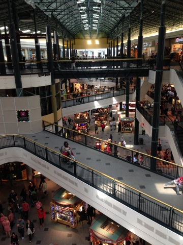 Mall of America in Bloomington, Minnesota - the largest shopping mall in the U.S. - is enhancing its visitor experience with Senion's StepInside Indoor Positioning System. (Photo: Business Wire)