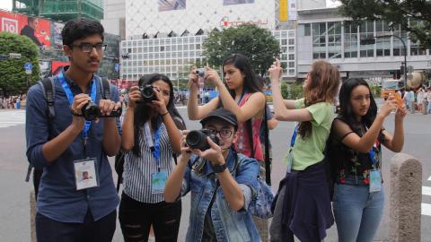 8月2日 東京取材活動「多様性理解チーム」(写真:ビジネスワイヤ)