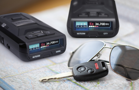 """According to a recent review by Veil Guy, a leading authority and influencer of the countermeasure industry, the new R1 and R3 radar detectors from Uniden """"redefine what's possible"""" and provide """"jaw-dropping performance."""" Veil Guy summarizes his review with, """"I believe the R1 and R3 are simply the best radar detectors you can drive with today, regardless of price."""" (Photo: Business Wire)"""
