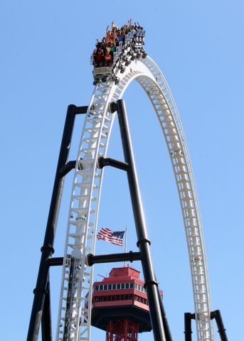 """Six Flags Magic Mountain, the undisputed """"Thrill Capital of the World,"""" featuring roller coasters such as Full Throttle, will offer 365-days of thrills beginning January 2018. (Photo: Business Wire)"""