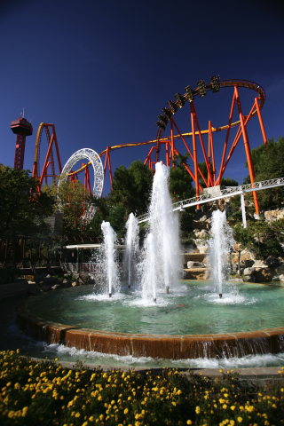 Six Flags Enters Destination Travel Market With Los Angeles Property Six Flags Magic Mountain Six Flags