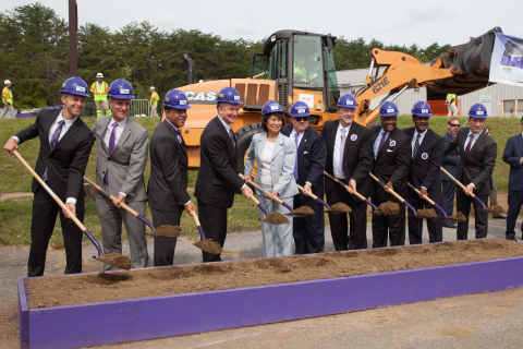 Maryland Governor Larry Hogan, U.S. Transportation Secretary Elaine Chao and other dignitaries break ground on the Maryland Purple Line light-rail project. (Photo: Business Wire)