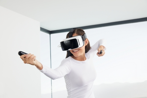 ZEISS VR ONE Connect (Photo: Business Wire)